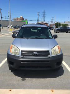 Toyota RAV4 (2004) top condition low milage