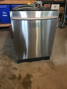 Samsung Dishwasher Top Of The Line Current Model DW80K7050US