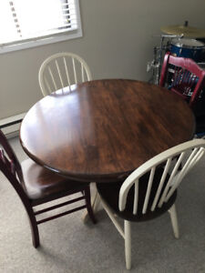 *Reduced* Kitchen Table and Chairs