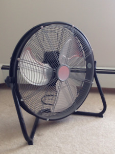 "20"" Shroud Fan - Great for Cooling Apartments/Restaurant Kitchen"