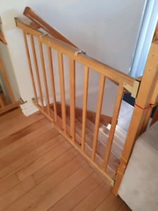 Baby Gates Evenflo Top of stairs