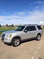 2010 Ford Explorer Limited  **Immaculate Condition!**