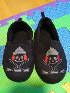 Slippers - toddler 12/13