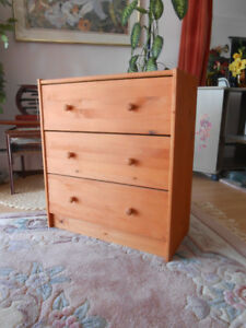Small 3 Drawers Dresser