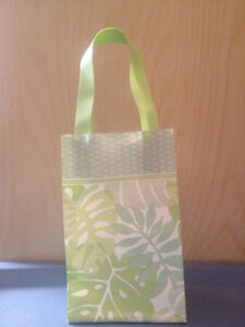 Gift Bags / Gift Boxes