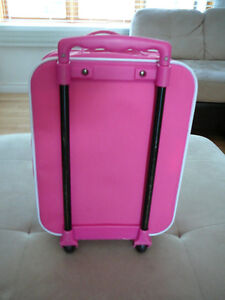 """Valise """"Kitty"""" West Island Greater Montréal image 3"""