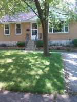 NORTH SARNIA HOUSE 3 BEDROOMS FOR RENT IN ROSEDALE AREA