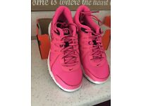 Ladies girls Nike trainers 4.5 new