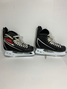 CCM - patin a glace - ice skate - USED 2 times
