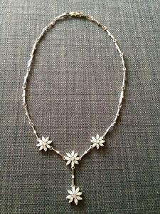 Beautiful floral crystal Y-necklace rhodium plated silver-tone Gatineau Ottawa / Gatineau Area image 1