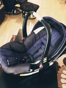Graco SnugRide Click Connect 30 Infant Carseat
