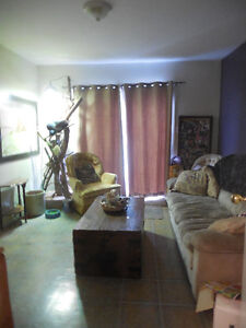 ROOMS available in Immediately Kawartha Lakes Peterborough Area image 9