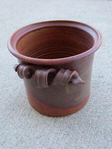 "Hand-made Ceramic Planter, 7 1/4"" round x 6 3/4"" Windsor Region Ontario image 1"