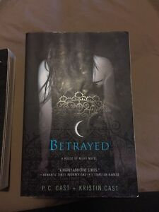 A House of Night Book Set #1-4 Cambridge Kitchener Area image 3