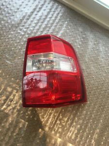 2007 - 2017 Ford Expedition Passenger Side Tail light