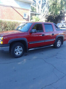 2007 Chevy Avalanche Great condition $4000. Firm