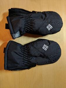 Columbia snow gloves $10