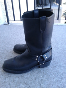 Black Leather Boots for Motorcycling