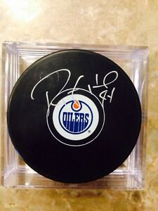 Oilers signed hockey pucks  Strathcona County Edmonton Area image 4