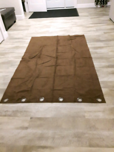 1 brown curtain panel