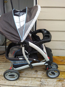 Graco stroller equipped with infant car seat lock
