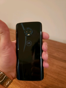 Mint Condition Moto G6  Price Reduced....This is a GOOD DEAL!