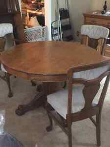 Antique Oak Table with 6 Chairs and 6 extra leaves London Ontario image 4
