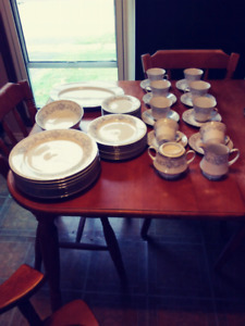 Noritake China Set 8 pc setting  Fascination pattern 2998