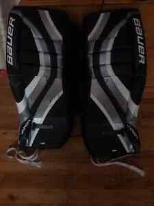 "Youth 24"" goalie pads Peterborough Peterborough Area image 1"