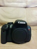 Canon T4i with assorted video equipment and accesories
