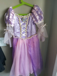 Rapunzel costume size 5/6
