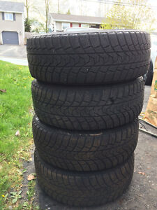 215/60/R16 winter tires on rims used only 1 season