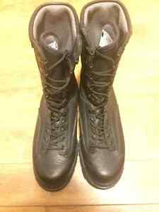 Unisex never worn military combat boots