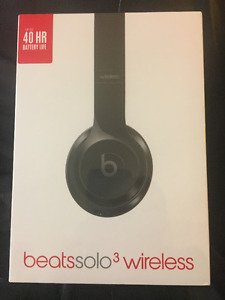Beats Solo3  Headphones: Brand NEW