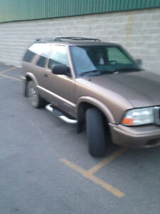 2005 GMC Jimmy 4X4 excellent condition!!! London Ontario image 2