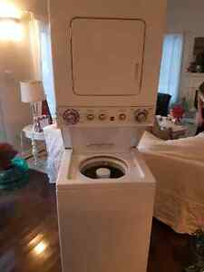 KENMORE Apartment size washer dryer