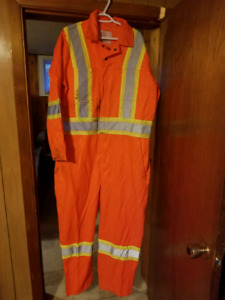 S> class 2&3 Work Wear Equipment Clothing.