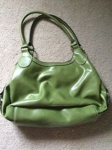 Green Purse Only Used once Kitchener / Waterloo Kitchener Area image 2