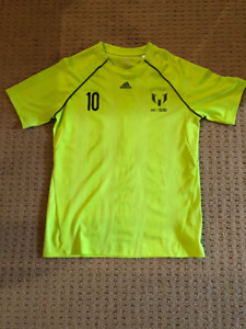 Adidas. Messi Soccer t-shirt. Youth XL.