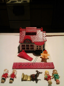 polly pocket holiday toy shop