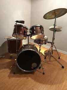 Drum set / batterie NEGOTIABLE