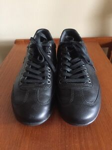 Lacoste Men's Misano 34 Fashion Black Leather Sneakers Shoes London Ontario image 2