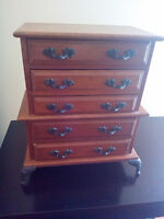 Musical jewelry box with 5 drawers