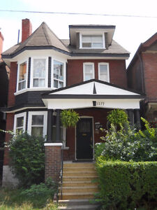 1 BRM, Roncesvalles Village