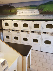 MAYTAG Commercial Laundromat Equipment