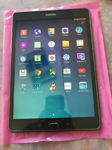 ##Tablette Samsung Tab A 16GB Comme neuf x230$//Grade A++ 10/10