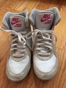 Nike size 10 high tops woman's white and silver paisley print Kitchener / Waterloo Kitchener Area image 1