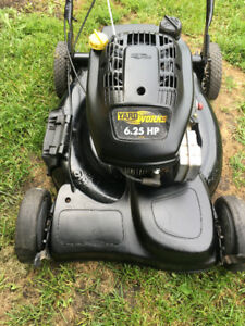 YARD WORKS  SELF PROPELLED LAWNMOWER
