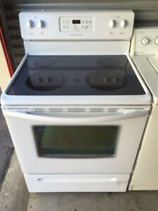 Frigidaire Flat Top Stove. Very Good Condition!