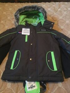 New boys OshKosh 4pc snowsuit size 6